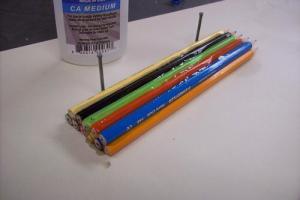 「色鉛筆を加工して指輪を作ってみた」思いもよらないデザインが注目を浴びる