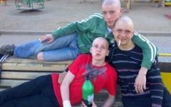 ロシア人のプロフィール写真は、かなりヤバイ写真