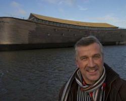 オランダ人がノアの箱舟をフルサイズで再現