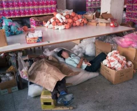 中国の「おもちゃ工場労働者」の過酷な現実33