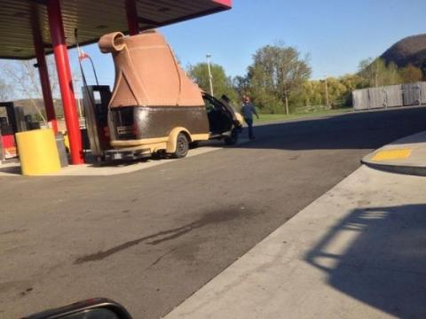 海外のガソリンスタンドがマジでカオスの写真