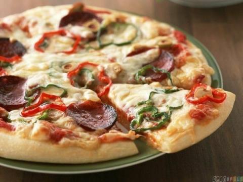 見た目が超美味しそうな世界中のピザの写真