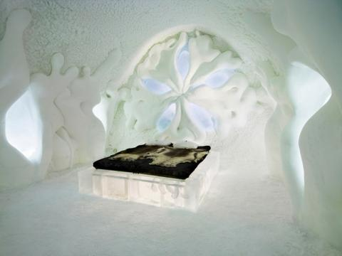 スウェーデンの氷と雪で作られたホテル