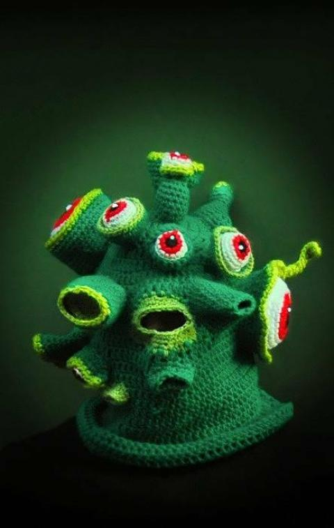 ニットの帽子の編みマスクがカオス