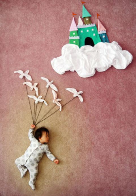 赤ちゃんの夢を表現した作品